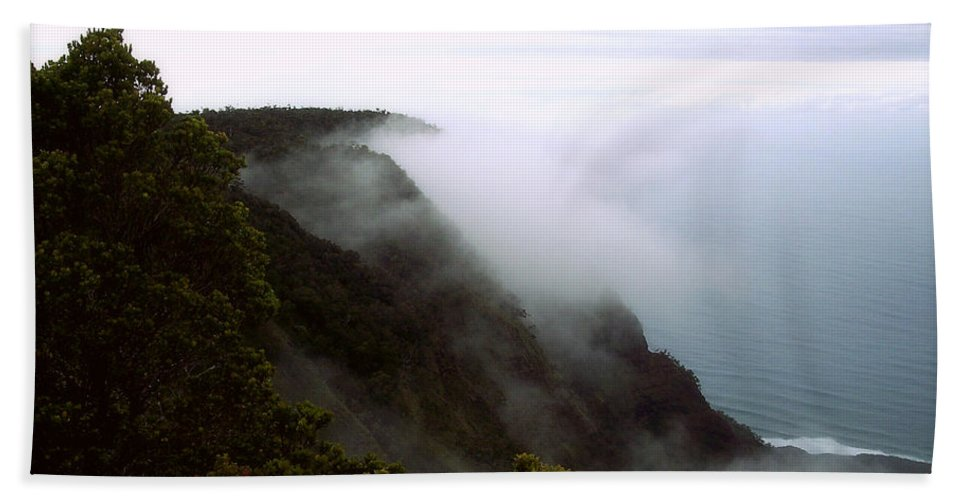 Nature Bath Sheet featuring the photograph Mists Along The Kalalau Valley by Paulette B Wright