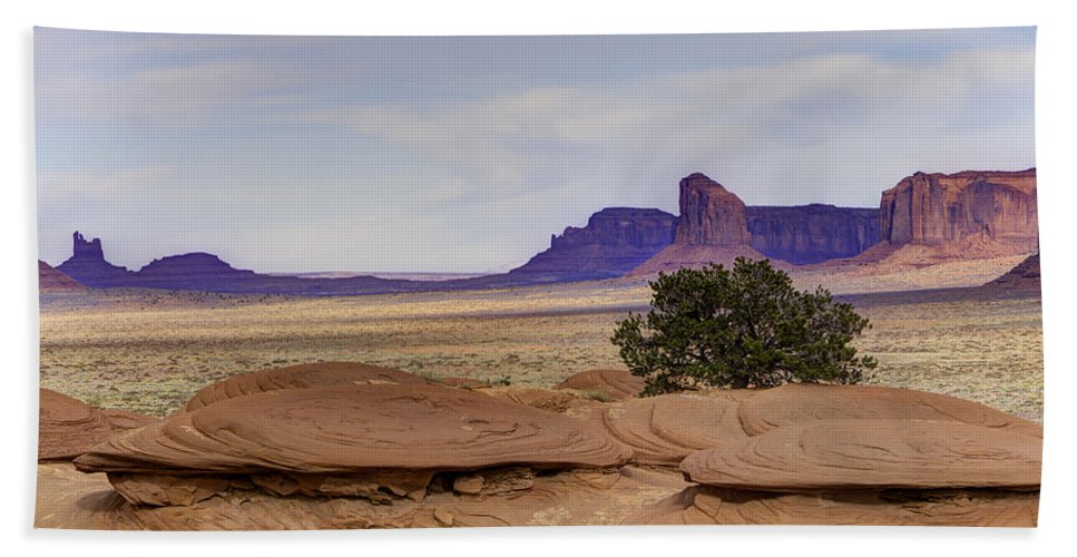 Mitchell Butte Bath Sheet featuring the photograph Mitchell Butte From Mystery Valley by Mike Herdering