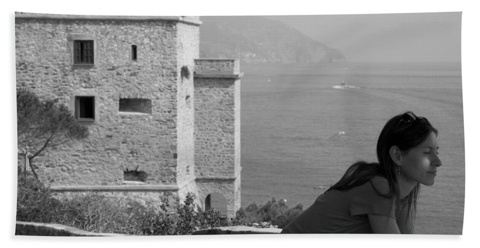 Travel Bath Sheet featuring the photograph Monterosso Al Mar by Ian Middleton
