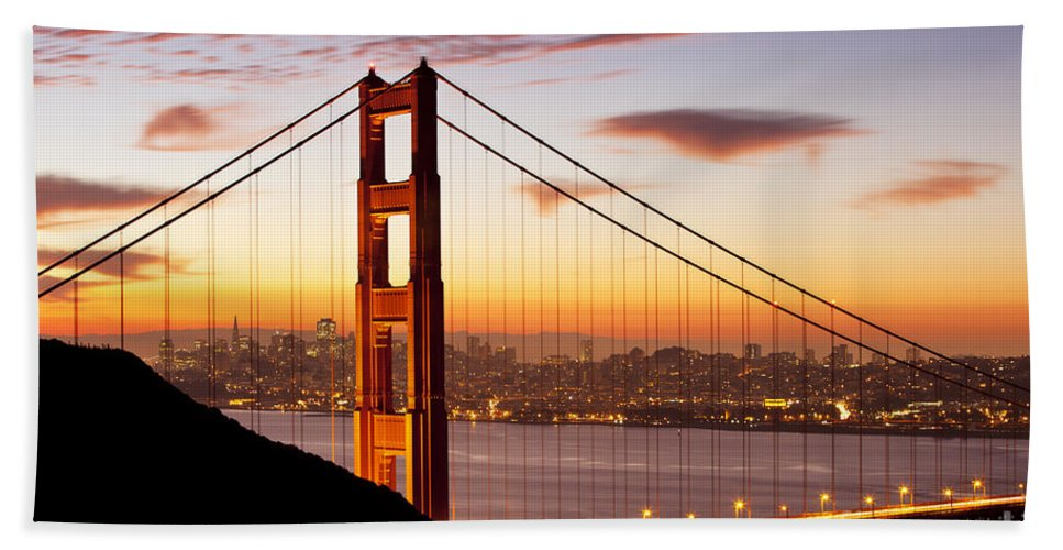Sunrise Hand Towel featuring the photograph Morning Over San Francisco by Brian Jannsen