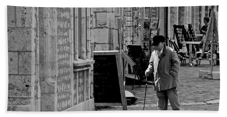Chartres Bath Sheet featuring the photograph Morning Stroll by Eric Tressler