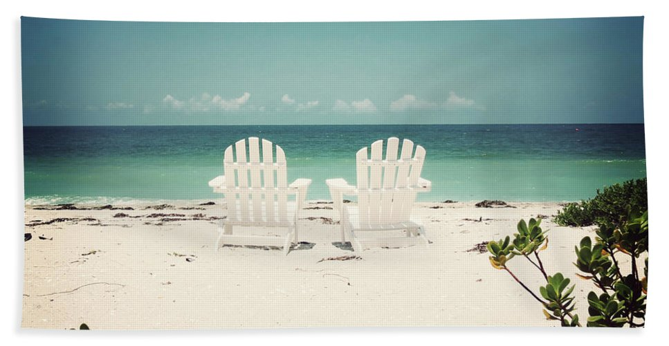 Florida Hand Towel featuring the photograph Morning View-vintage by Chris Andruskiewicz