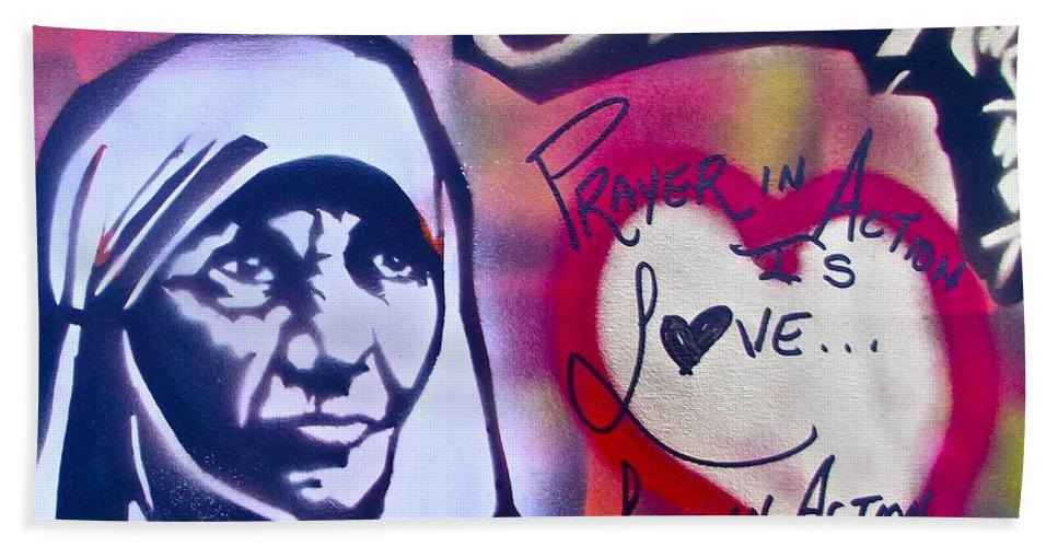 Graffiti Bath Sheet featuring the painting Mother Theresa Service by Tony B Conscious