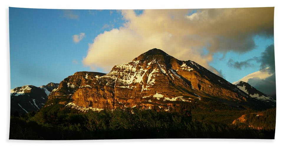 Mountains Hand Towel featuring the photograph Mountain In The Morning by Jeff Swan