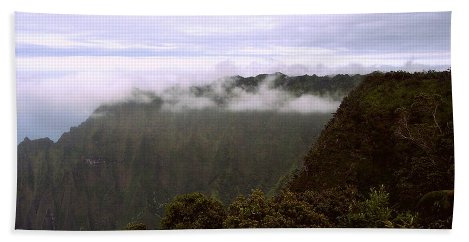 Mt Waialeale Hand Towel featuring the photograph Mt Waialeale by Paulette B Wright