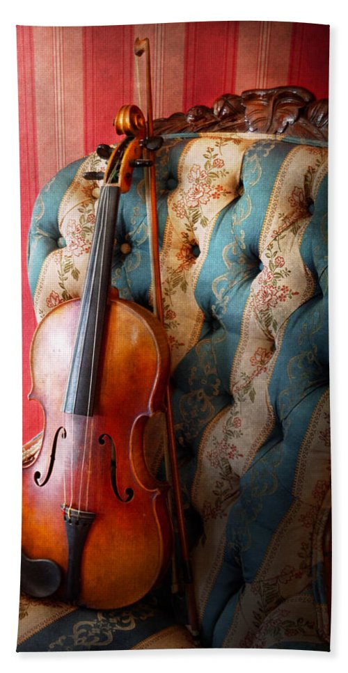 Violin Bath Sheet featuring the photograph Music - Violin - Musical Elegance by Mike Savad