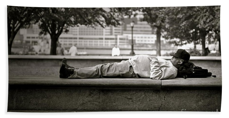 New York Hand Towel featuring the photograph Nap by Gwyn Newcombe