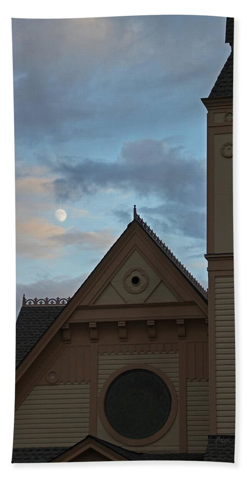 Newman Hand Towel featuring the photograph Newman United Methodist And Moon by Mick Anderson