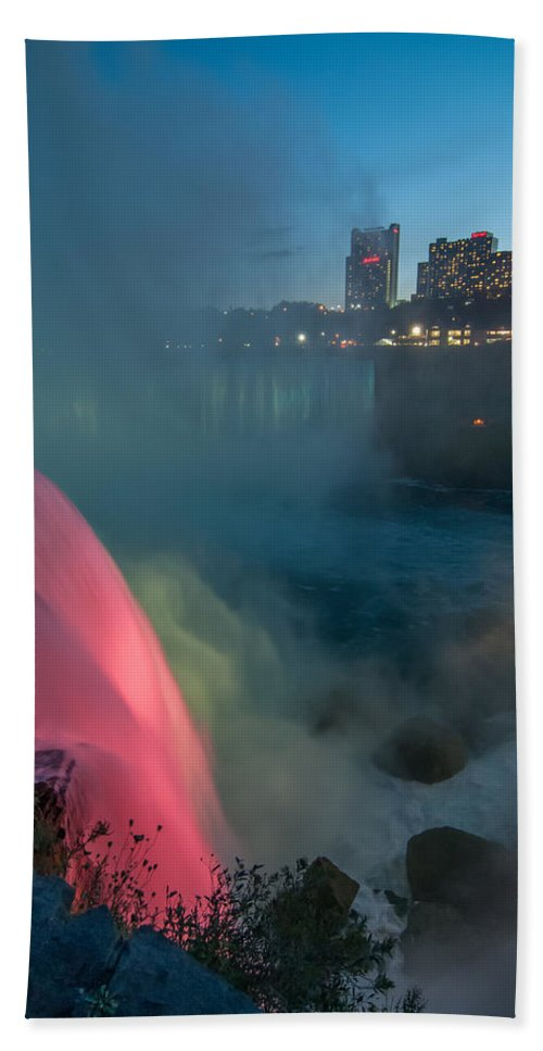 Guy Whiteley Photography Bath Sheet featuring the photograph Niagara At Night by Guy Whiteley