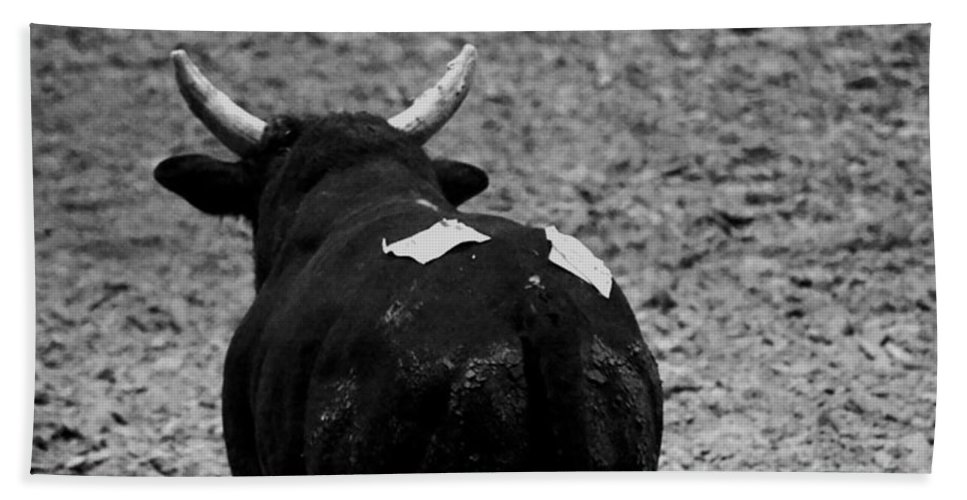 Animal Hand Towel featuring the photograph No Bull by Hannah Breidenbach