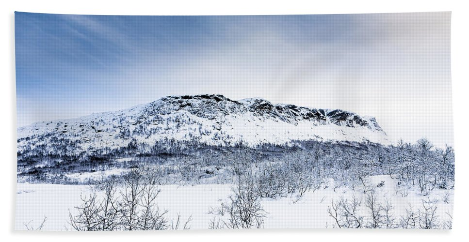 Grytehorgi Hand Towel featuring the photograph Norwegian Winter by Hakon Soreide
