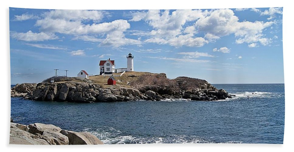 Nubble Light Bath Sheet featuring the photograph Nubble Light II by Joe Faherty