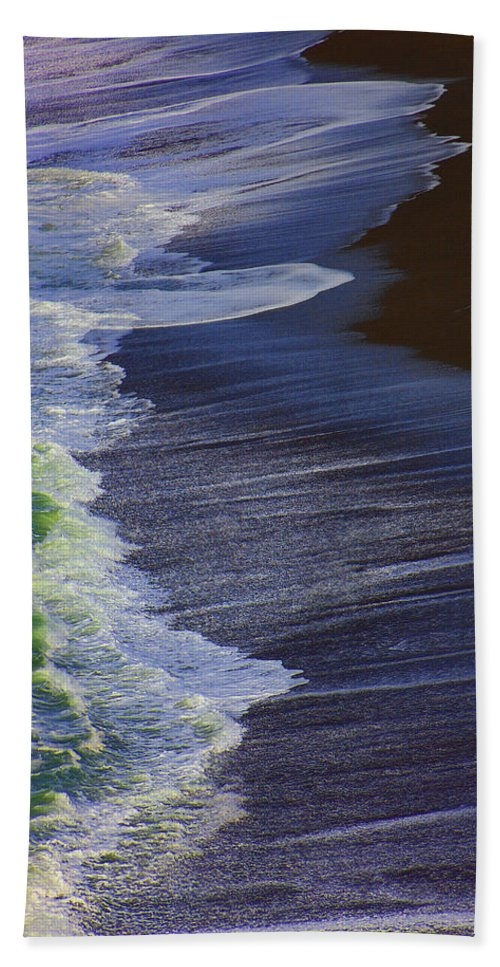 Ocean Hand Towel featuring the photograph Ocean Waves by Garry Gay