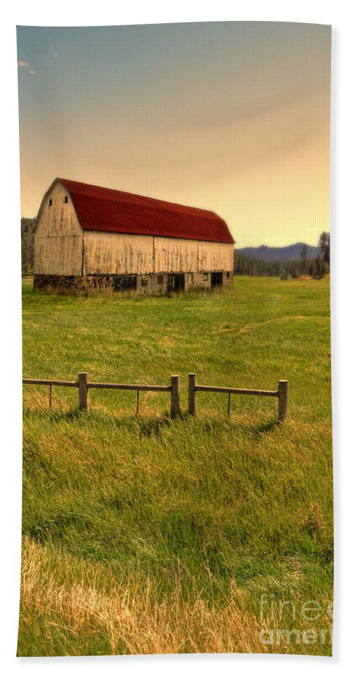 Barn Hand Towel featuring the photograph Old Barn by Jill Battaglia