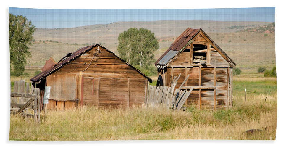 Homestead Bath Sheet featuring the photograph Old Building Woodruff Utah by Donna Greene