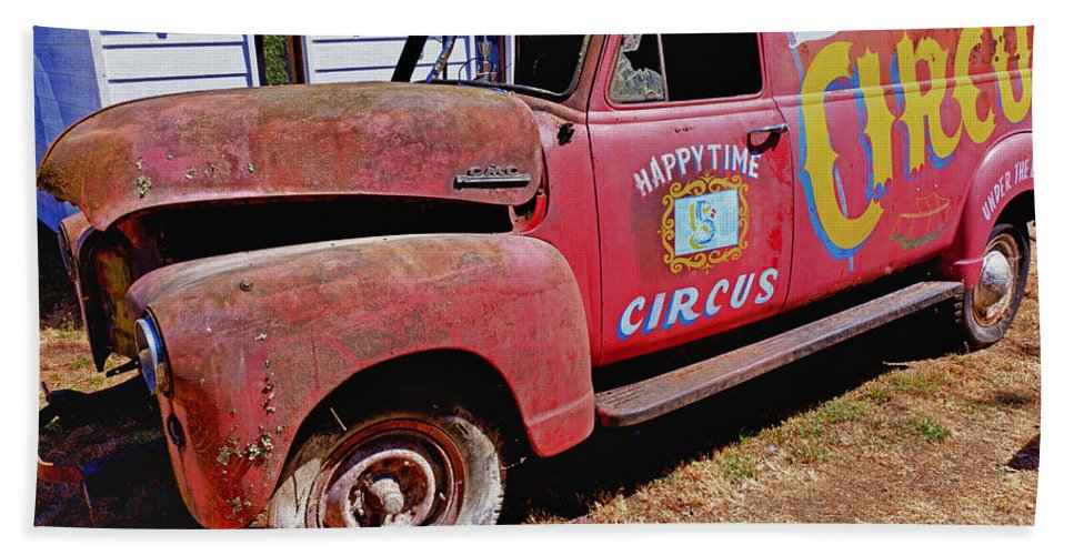 Red Hand Towel featuring the photograph Old Circus Truck by Garry Gay