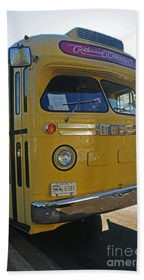 Bus Bath Sheet featuring the photograph Old Gm Bus by Randy Harris