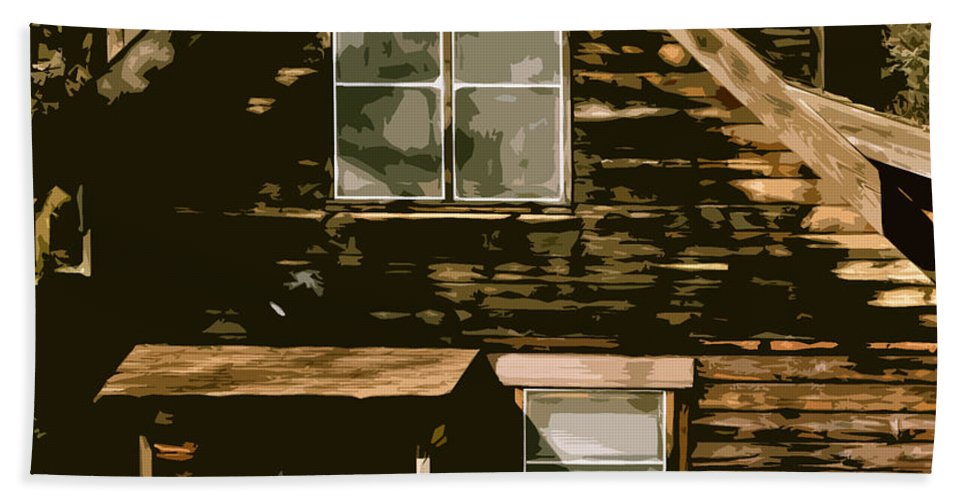 Farm Bath Towel featuring the photograph Old House by Bill Owen