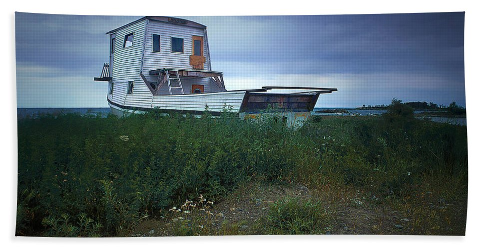 Art Bath Sheet featuring the photograph Old Houseboat On A Minnesota Shore On Lake Superior by Randall Nyhof