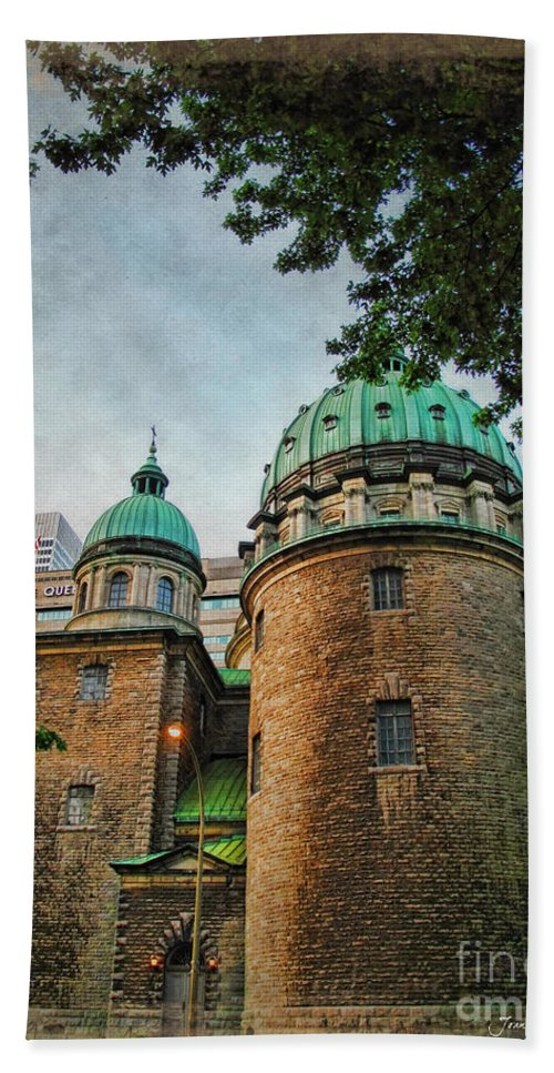 Cathedral Hand Towel featuring the photograph Old Montreal Church by Joan Minchak
