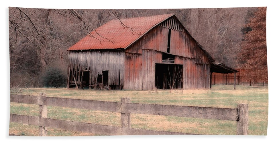 Barn Bath Sheet featuring the photograph Old Red Barn by Betty LaRue