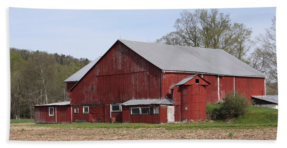 Copy Space Bath Sheet featuring the photograph Old Red Barn With Short Silo by John Stephens