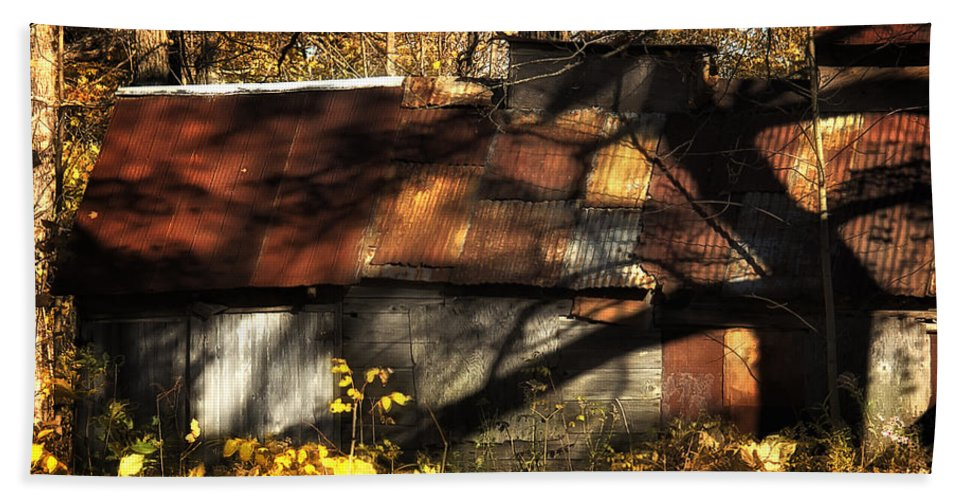 Xdop Hand Towel featuring the photograph Old Sugar Shack by John Herzog