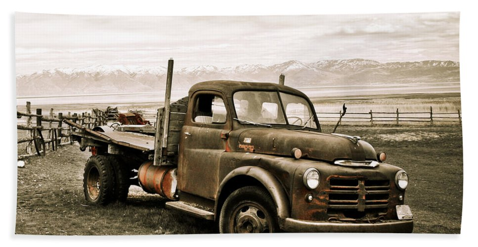 Utah Bath Sheet featuring the photograph Old Timer 2 by Marilyn Hunt