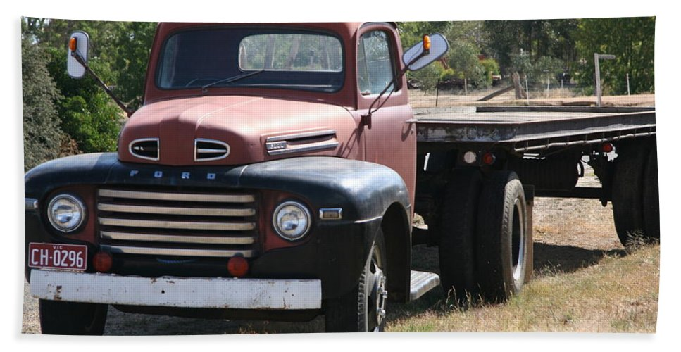 Custom Artwork Hand Towel featuring the photograph Old Truck by Digital Oil