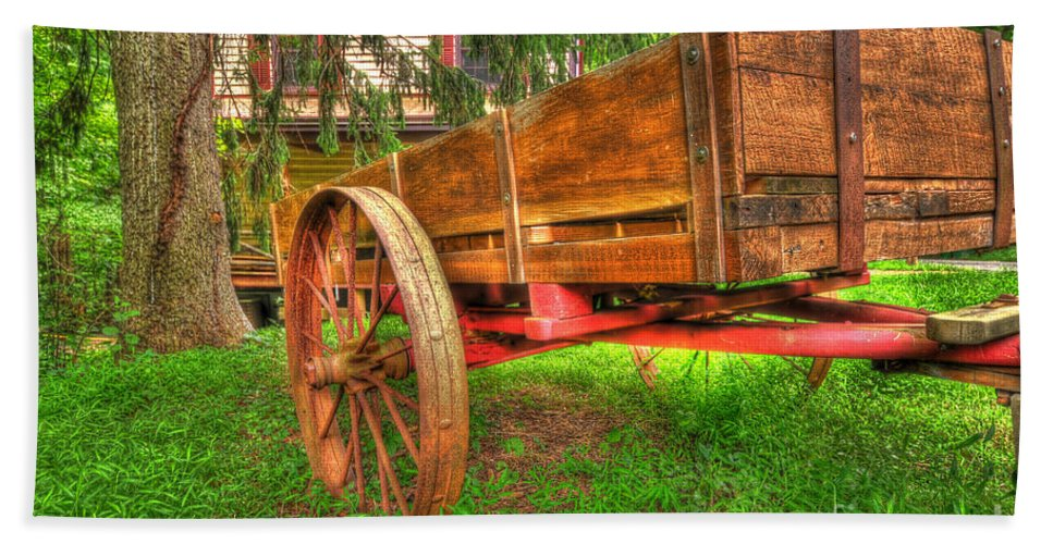 Cart Hand Towel featuring the photograph Old Wooden Cart by Paul Ward