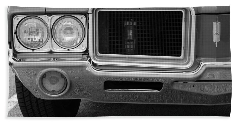 Oldsmobile Hand Towel featuring the photograph Olds C S In Black And White by Rob Hans