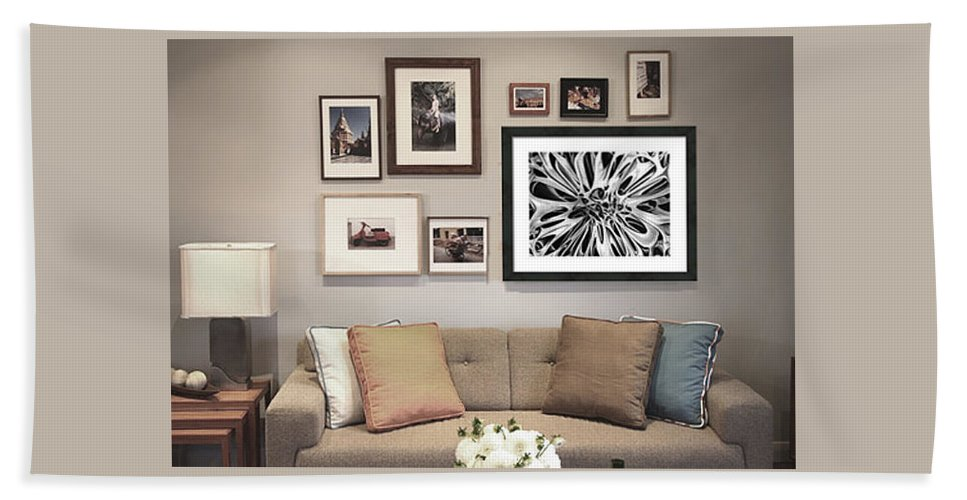 Hand Towel featuring the photograph On Display 04 by Peter Piatt