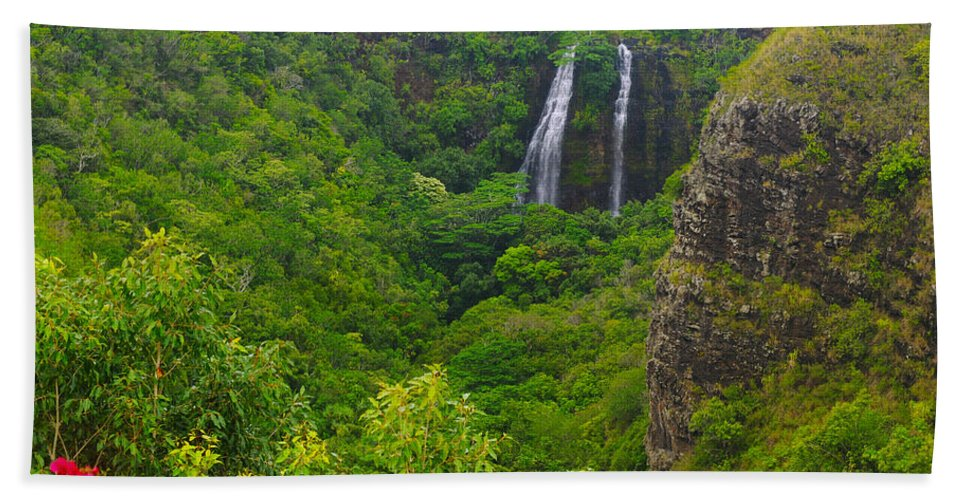Falls Hand Towel featuring the photograph Opaekaa Falls by Kenneth Sponsler