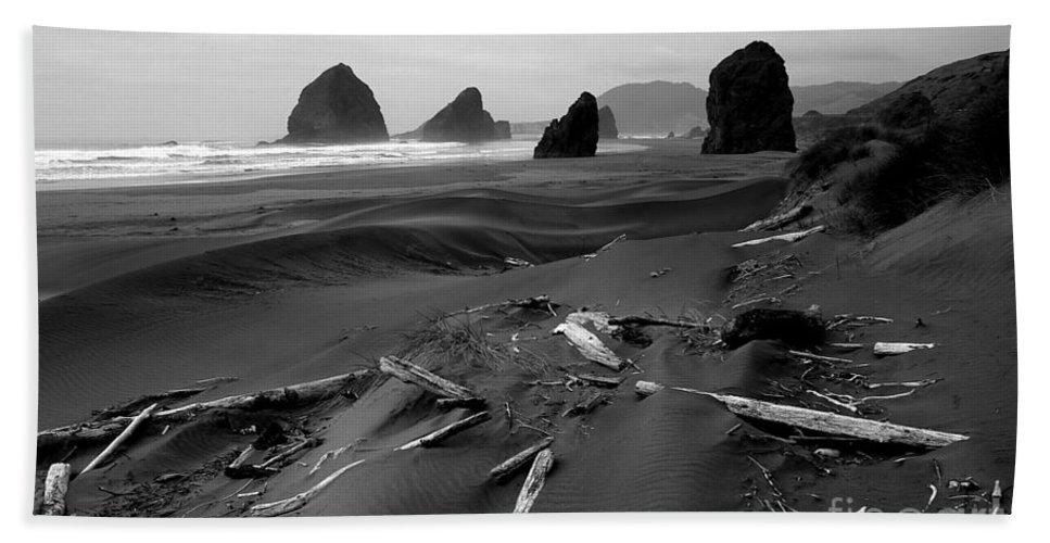 Oregon Bath Sheet featuring the photograph Oregon Coast Black And White by Mike Nellums