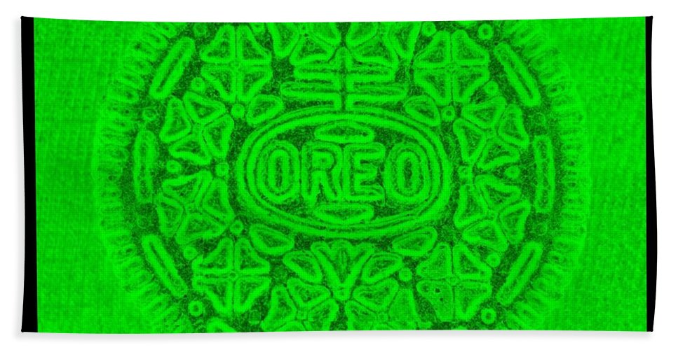 Oreo Bath Sheet featuring the photograph Oreo In Green by Rob Hans