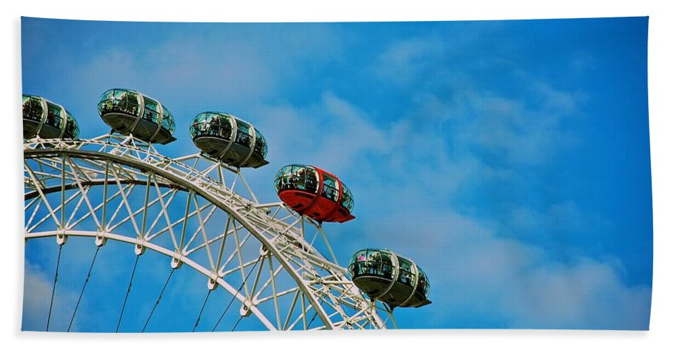 London Eye Bath Sheet featuring the photograph Over The Top by Eric Tressler