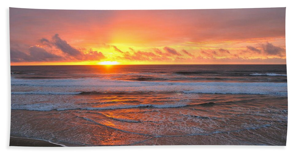 Sunset Bath Sheet featuring the photograph Pacific Sunset by Eric Tressler