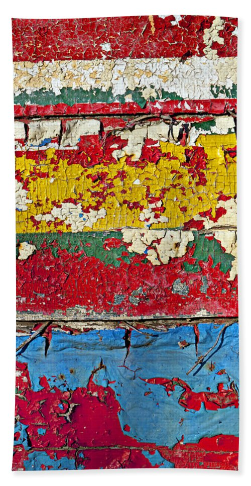 Paint Bath Sheet featuring the photograph Painting Peeling Wall by Garry Gay