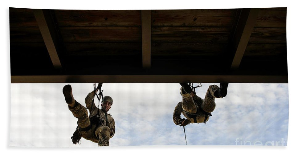 Florida Hand Towel featuring the photograph Pararescuemen Take Part In A Rappelling by Stocktrek Images