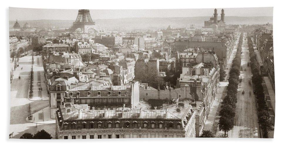 1900 Bath Sheet featuring the photograph Paris: Aerial View, 1900 by Granger