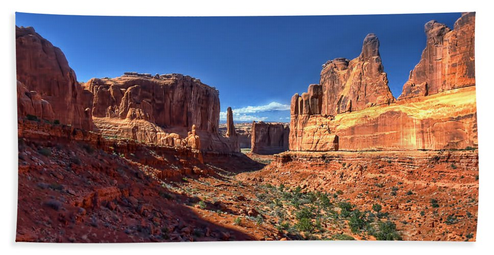 Moab Bath Sheet featuring the photograph Park Avenue 1 Arches National Park by Ken Smith