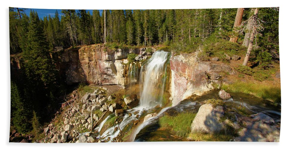 Paulina Falls Hand Towel featuring the photograph Pauina Falls Overlook by Adam Jewell