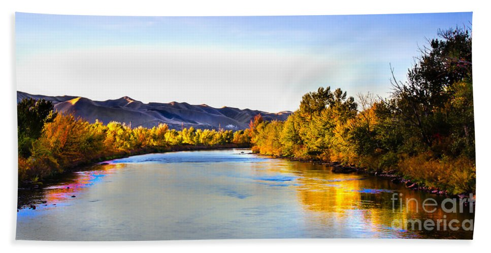 Idaho Hand Towel featuring the photograph Peaceful Morning by Robert Bales