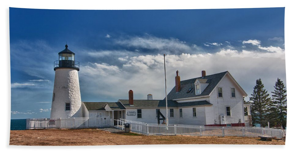 Buildings Hand Towel featuring the photograph Pemaquid Point Lighthouse 4800 by Guy Whiteley