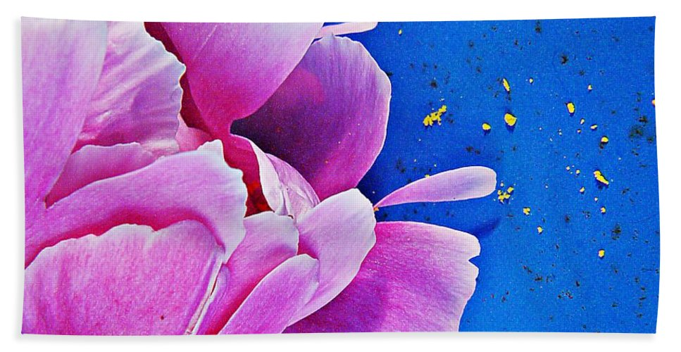 Nature Hand Towel featuring the photograph Peony Dust by Chris Berry