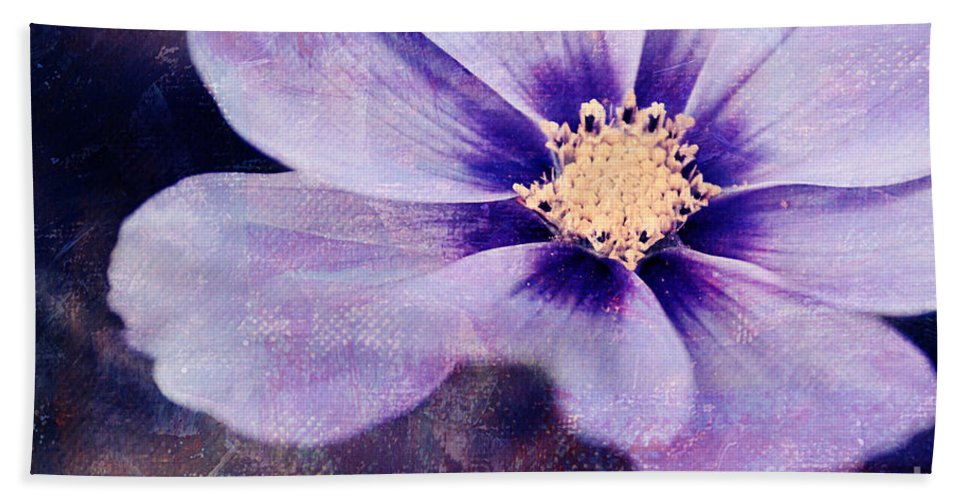 Flower Bath Sheet featuring the photograph Petaline - 06bt04b by Variance Collections