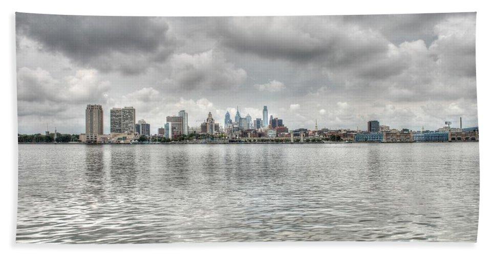Philadelphia Hand Towel featuring the photograph Philadelphia Across The Water by Jennifer Ancker