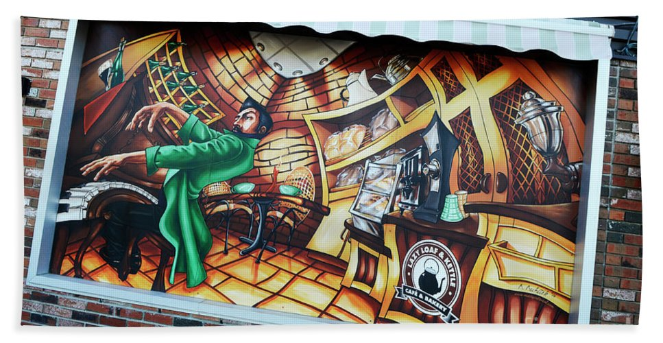Graffiti Bath Sheet featuring the photograph Piano Man 3 by Bob Christopher