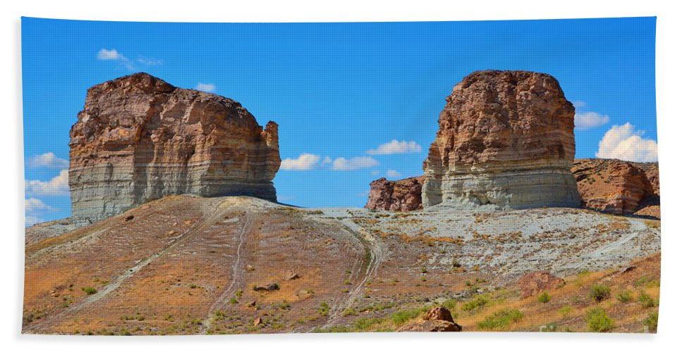 Fine Art Bath Sheet featuring the photograph Pilot Butte Rock Formation Iv by Donna Greene