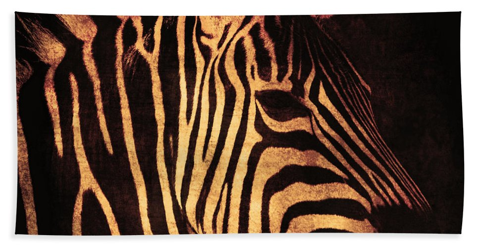 Africa Bath Sheet featuring the photograph Placidity by Andrew Paranavitana